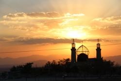 Cenas que se pode presenciar em uma viagem de carro no Irã