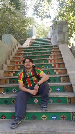 """""""Escadaria Selaron"""" iraniana que achei caminhando pelas ruas de lá. Compare com a do Rio de Janeiro e veja se não é igualzinha!"""